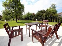 venkovní terasa - Pronájem domu v osobním vlastnictví 168 m², Ohrobec