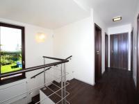 schodiště - Pronájem domu v osobním vlastnictví 168 m², Ohrobec