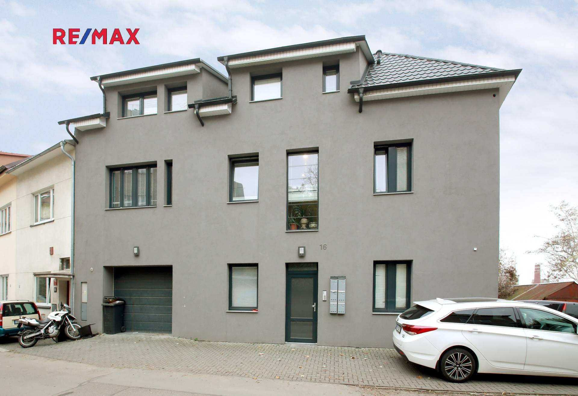 Prodej domu v osobním vlastnictví 358 m², Praha 9 - Vysočany