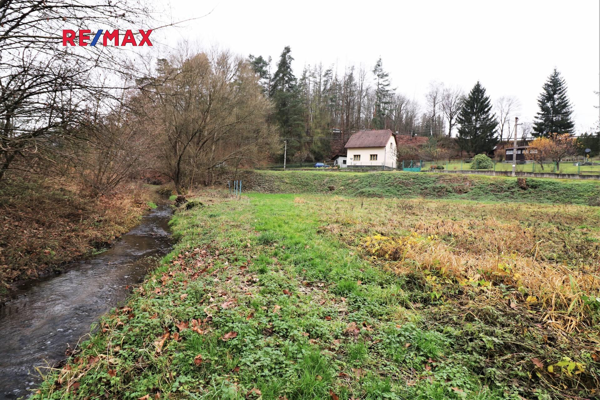 Prodej pozemku 940 m², Nespeky