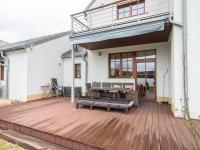 terasa - Prodej domu v osobním vlastnictví 220 m², Praha 10 - Benice