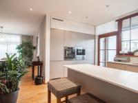 kuchyně - Prodej domu v osobním vlastnictví 220 m², Praha 10 - Benice