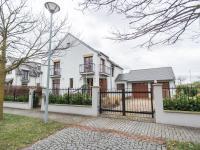 Dům 7+1/T/2G - Prodej domu v osobním vlastnictví 220 m², Praha 10 - Benice