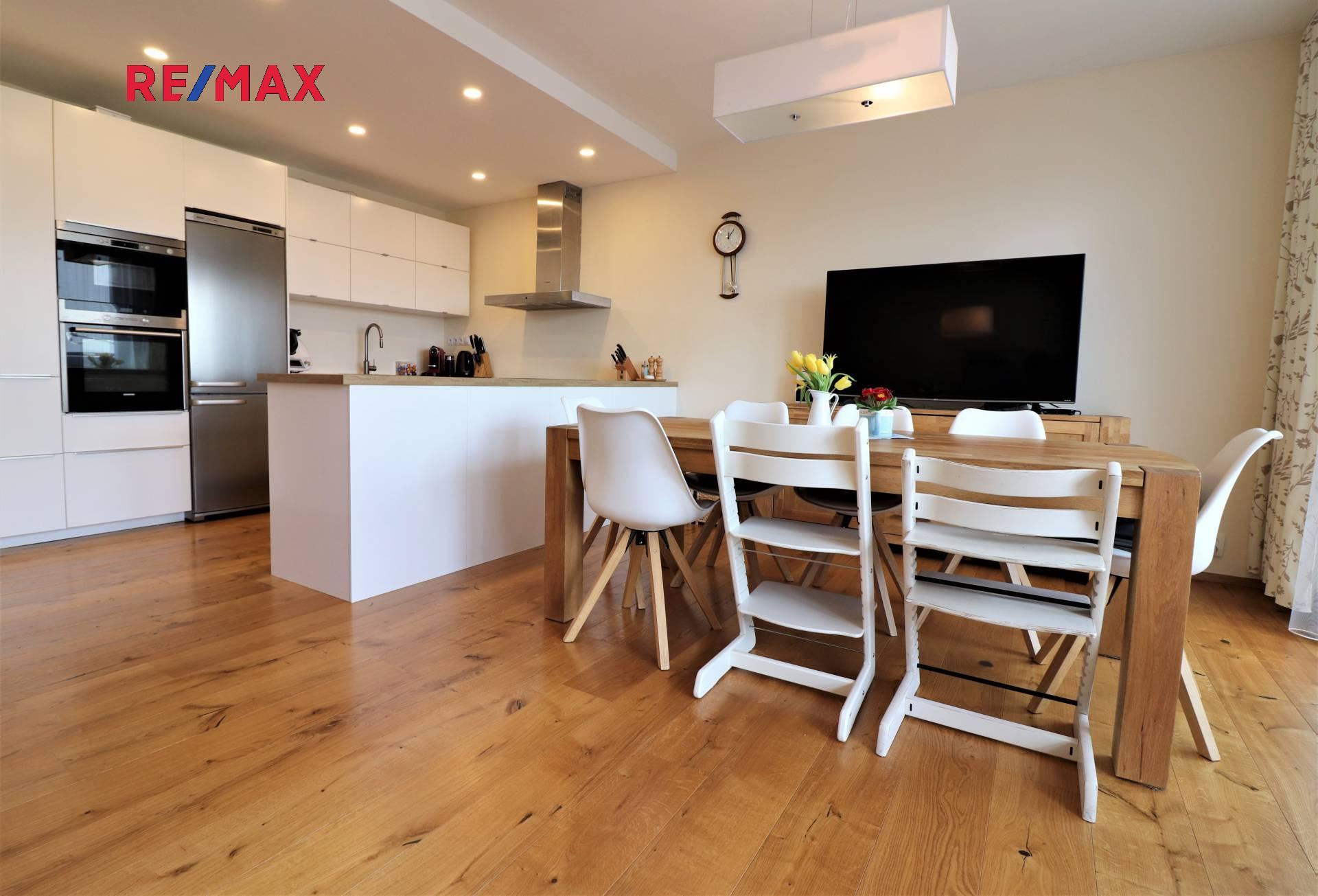 Prodej domu v osobním vlastnictví 260 m², Praha 6 - Řepy