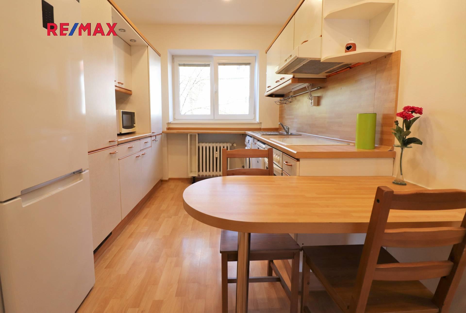 Pronájem bytu 3+1 v družstevním vlastnictví 66 m², Praha 8 - Kobylisy