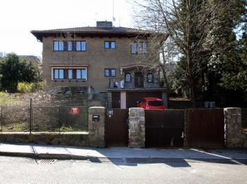Prodej domu v osobním vlastnictví 270 m², Praha 5 - Hlubočepy