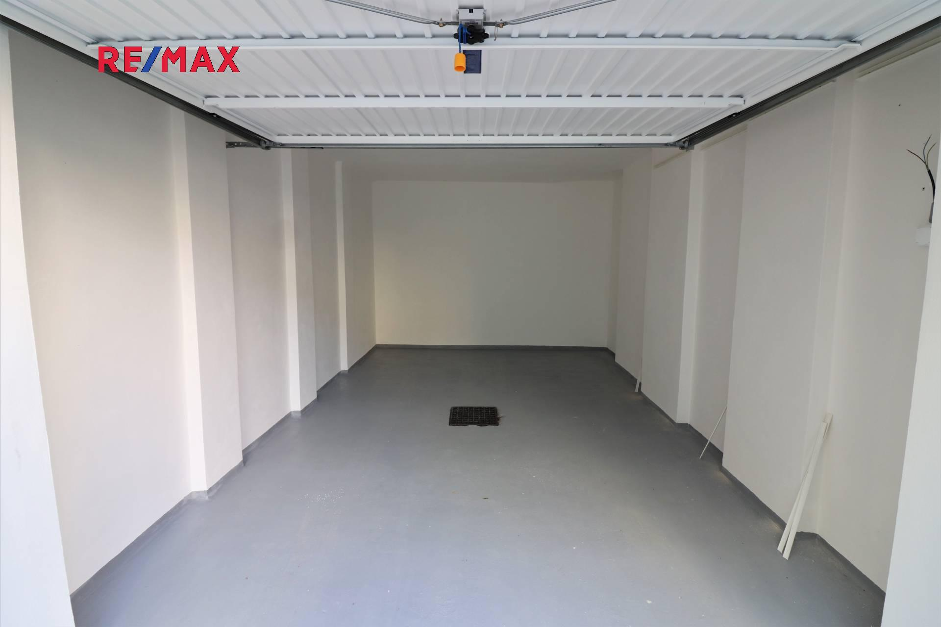 Prodej garáže 16 m², Praha 6 - Dejvice