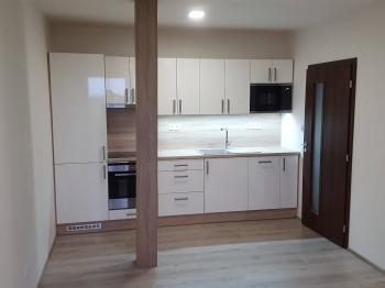 Pronájem bytu 2+kk v osobním vlastnictví 50 m², Rostoklaty