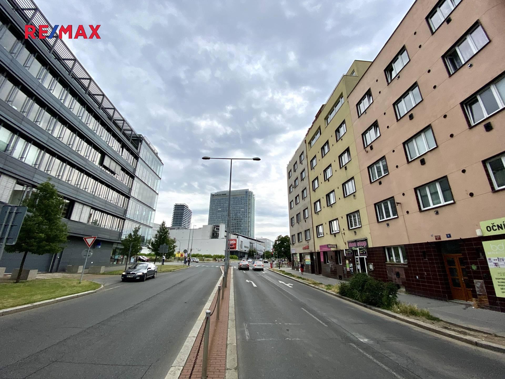 Pronájem obchodních prostor 140 m², Praha 4 - Nusle