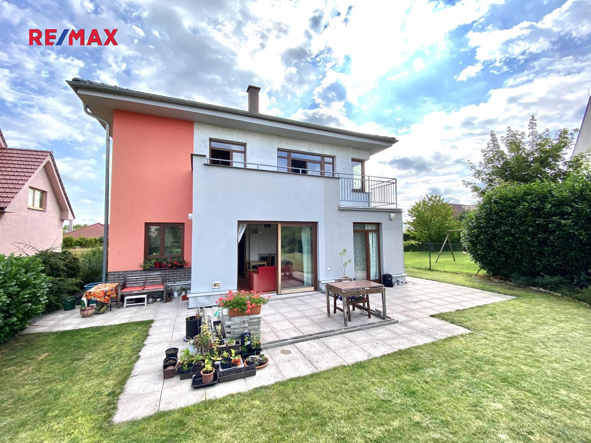 Prodej domu v osobním vlastnictví 258 m², Chýně