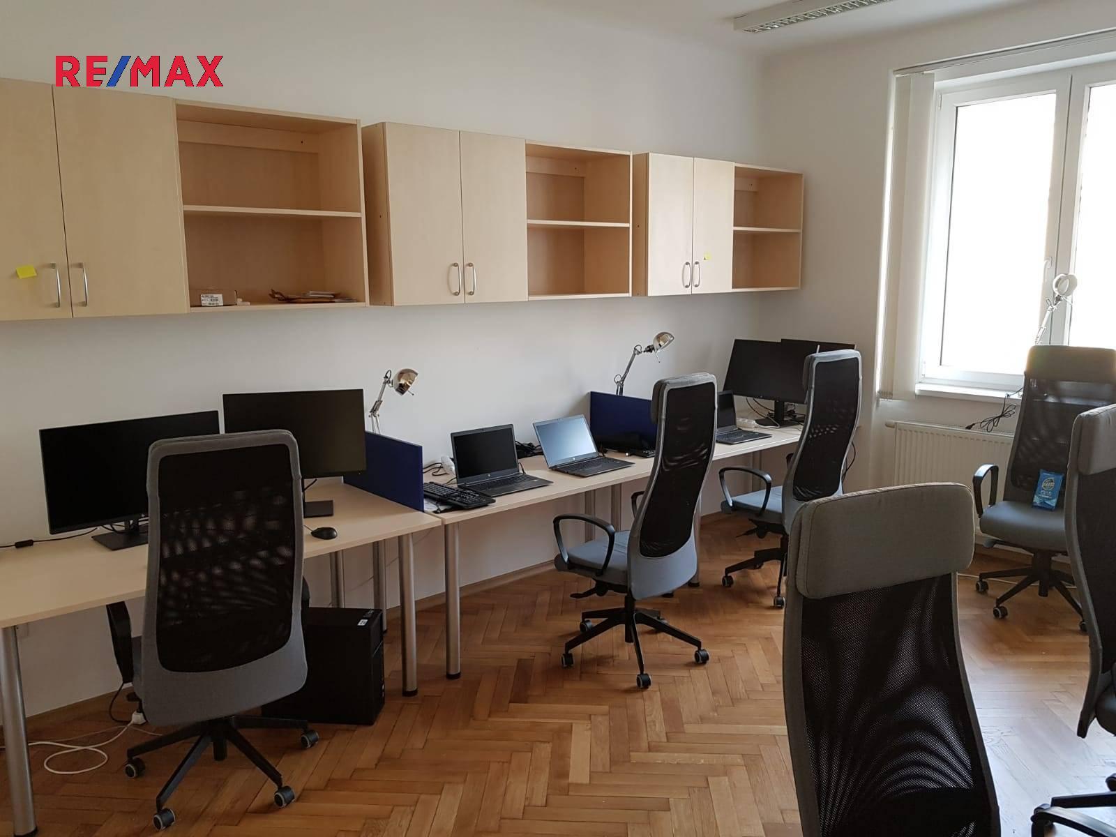 Pronájem kancelářských prostor 171 m², Praha 6 - Dejvice