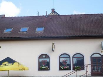 Prodej komerčního objektu 400 m², Kamenice