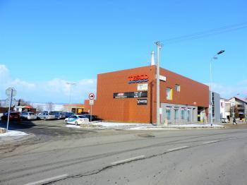 vjezd na parkoviště - Pronájem obchodních prostor 121 m², Telč