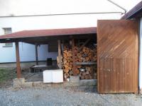 garážové stání u vstupní brány - Prodej domu v osobním vlastnictví 623 m², Babice