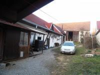 nádvoří - Prodej domu v osobním vlastnictví 623 m², Babice