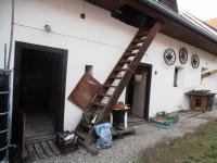 dvůr se vstupem komory, dílny, půdy - Prodej domu v osobním vlastnictví 623 m², Babice