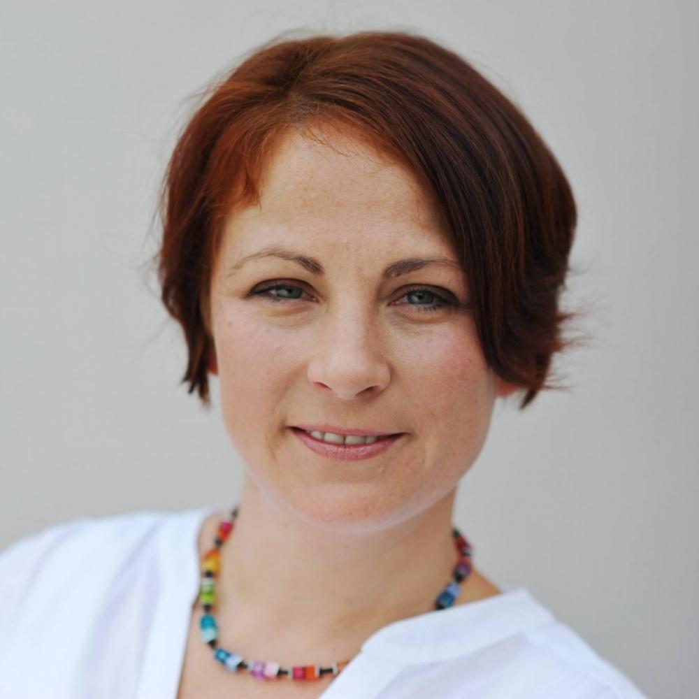 Mgr. Tereza Vrzáková