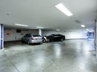garážové stání (Prodej bytu 3+kk v osobním vlastnictví 117 m², Praha 5 - Radlice)