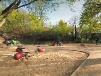 hřiště (Prodej bytu 3+kk v osobním vlastnictví 117 m², Praha 5 - Radlice)