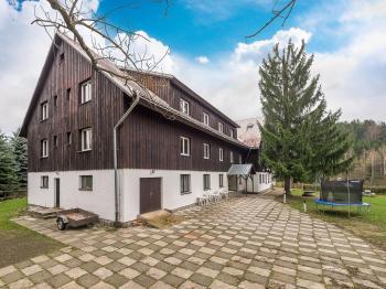 Pohled na objekt - Prodej penzionu 1670 m², Lučany nad Nisou