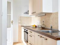 kuchyňský kout (Prodej bytu 2+kk v osobním vlastnictví 55 m², Praha 7 - Holešovice)