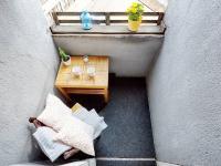 lodžie (Prodej bytu 2+kk v osobním vlastnictví 55 m², Praha 7 - Holešovice)