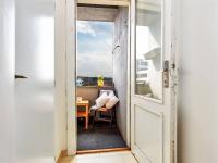 chodbička před lodžií (Prodej bytu 2+kk v osobním vlastnictví 55 m², Praha 7 - Holešovice)