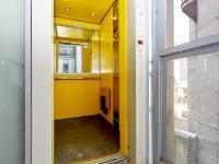 výtah (Prodej bytu 2+kk v osobním vlastnictví 55 m², Praha 7 - Holešovice)