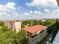 výhled (Prodej bytu 3+1 v osobním vlastnictví 75 m², Praha 9 - Prosek)