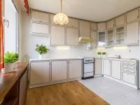 kuchyň (Prodej bytu 3+1 v osobním vlastnictví 75 m², Praha 9 - Prosek)