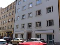 pohled na dům (Pronájem bytu 2+kk v osobním vlastnictví 52 m², Praha 4 - Nusle)