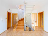 Hala 1.patro - Prodej domu v osobním vlastnictví 293 m², Praha 5 - Stodůlky
