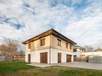 Prodej domu v osobním vlastnictví 205 m², Praha 10 - Uhříněves
