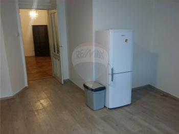 jídelní část - Pronájem bytu 2+1 v osobním vlastnictví 103 m², Praha 5 - Smíchov