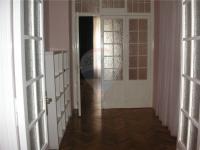 spojovací místnost mezi pokoji - Pronájem bytu 2+1 v osobním vlastnictví 103 m², Praha 5 - Smíchov