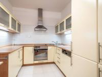 Kuchyňská linka s vestavěnými spotřebiči - Prodej bytu 3+kk v osobním vlastnictví 71 m², Vestec