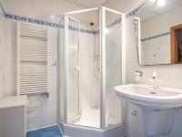 Koupelna - Prodej bytu 3+kk v osobním vlastnictví 71 m², Vestec