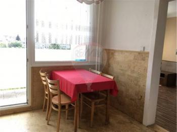 jídelní kout - Pronájem bytu 3+1 v osobním vlastnictví 63 m², Praha 10 - Strašnice
