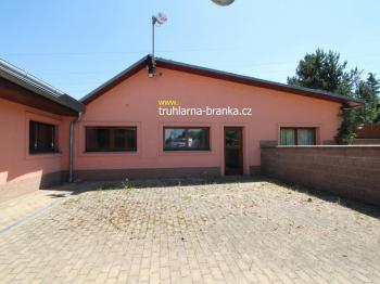 truhlárna - vstup - Prodej komerčního objektu 685 m², Náchod