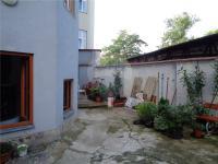 dvorek za domem - Pronájem bytu 2+kk v osobním vlastnictví 48 m², Praha 7 - Holešovice