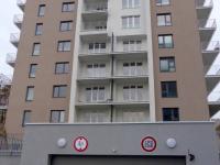 Vjezd do garáže - Pronájem bytu 3+kk v osobním vlastnictví 73 m², Praha 9 - Letňany