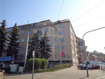 pohled na dům - Prodej bytu 3+1 v osobním vlastnictví 74 m², Praha 4 - Podolí