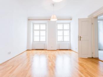 Pronájem bytu 2+kk v osobním vlastnictví 44 m², Praha 1 - Malá Strana