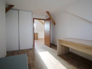 pokoj 1 - Pronájem bytu 3+kk v osobním vlastnictví 93 m², Hradec Králové
