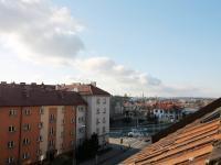 výhled z kuchyně - Pronájem bytu 3+kk v osobním vlastnictví 93 m², Hradec Králové