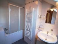 koupelna - Pronájem bytu 3+kk v osobním vlastnictví 93 m², Hradec Králové