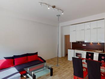 Prodej bytu 2+kk v osobním vlastnictví 46 m², Praha 10 - Uhříněves