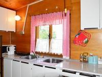 kuchyňský kout ve staré chatě (Prodej pozemku 2005 m², Útvina)