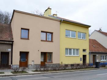 pohled na dům - Prodej domu v osobním vlastnictví 184 m², Brno