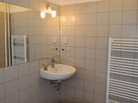 koupelna (Pronájem bytu 2+1 v osobním vlastnictví 73 m², Praha 3 - Žižkov)